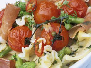 Nudeln mit Gemüse und Schinken Rezept