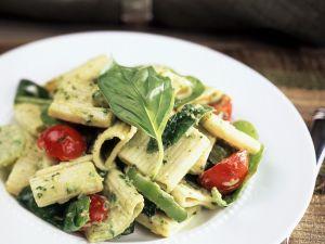 Nudeln mit Pesto und Gemüse Rezept