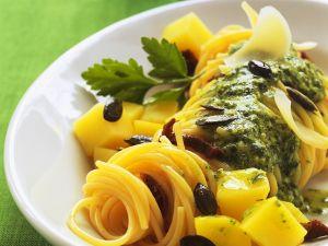 Nudeln mit Pesto und Kürbis Rezept
