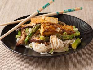 Nudeln mit Reis und Tofu Rezept