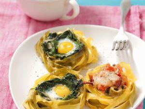 Nudeln mit Schinken, Spinat und Ei Rezept