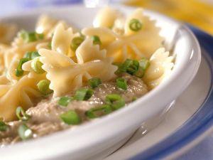 Nudeln mit Thunfischsauce Rezept