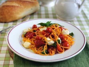 Nudeln mit Tomaten Rezept