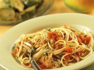 Nudeln mit Tomaten-Thunfischsauce Rezept