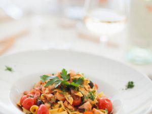 Nudeln mit Tomaten und Oktopus Rezept