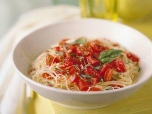 Nudeln mit Tomatenragout Rezept