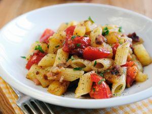 Nudeln mit Tomatensauce Rezept