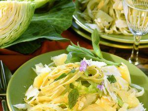 Nudelpfanne mit Kohl und Kartoffeln Rezept