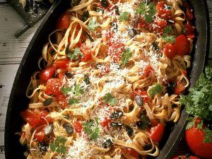 Nudelpfanne mit Tomaten Rezept