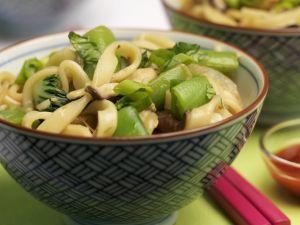 Nudelsalat auf asiatische Art Rezept