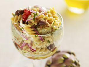 Nudelsalat mit Artischocken Rezept