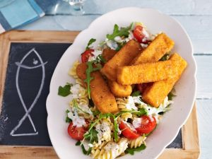 Nudelsalat mit Fischstäbchen Rezept