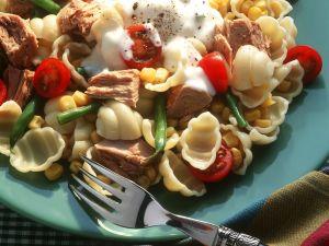 Nudelsalat mit Gemüse und Thunfisch Rezept