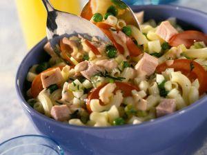 Nudelsalat mit Kassler und Gemüse Rezept