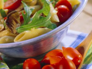 Nudelsalat mit Kirschtomaten und Pilzen Rezept