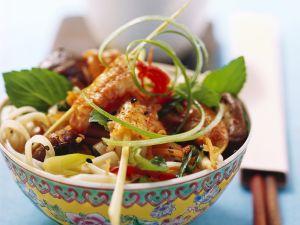 Nudelsalat mit Scampispießen auf asiatische Art Rezept