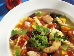 Nudelsuppe mit Gemüse und Hummer Rezept