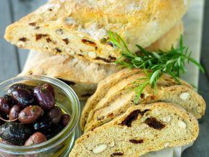 Nussbrot mit Oliven Rezept