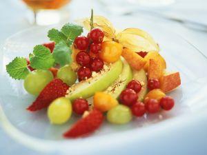 Obstsalat aus Sommerfrüchten Rezept