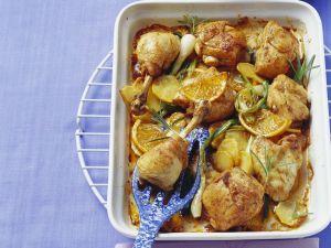 Ofen-Hähnchen mit Orangen, Rosmarin und Kartoffeln Rezept