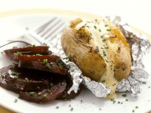 Ofenkartoffel und Rote Bete mit Dip Rezept