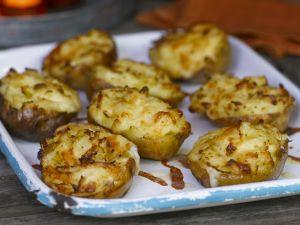 Ofenkartoffeln mit Käsekruste Rezept