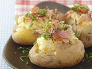 Ofenkartoffeln mit Knoblauchcreme und Pancetta Rezept