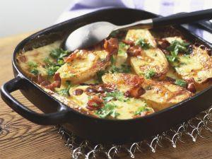 Ofenkartoffeln mit Speck und Käse Rezept