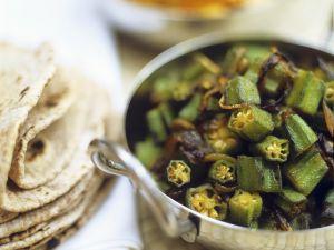 Okraschoten-Zwiebel-Gemüse Rezept