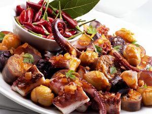 Oktopus mit Esskastanien Rezept
