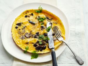 Omelett mit Pilzen und Cheddar Rezept