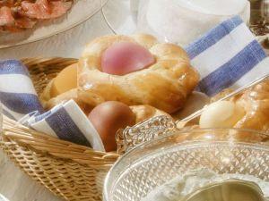 Osternester aus Hefeteig Rezept