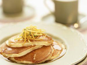 Pancakes mit Zitronenzesten Rezept