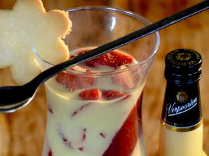 Panna Cotta mit Erdbeeren und Verpoorten Rezept