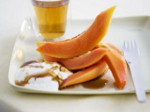 Papaya mit Honigsoße Rezept