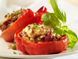 Paprika mit Bohnen-Erbsen-Füllung Rezept