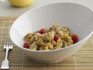 Pasta mit Blumenkohl, Cherrytomaten, Schmand und Oregano Rezept
