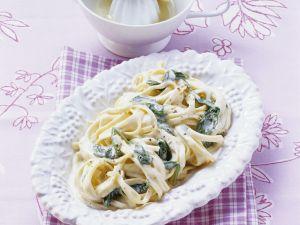 Pasta mit cremiger Spinatsauce Rezept