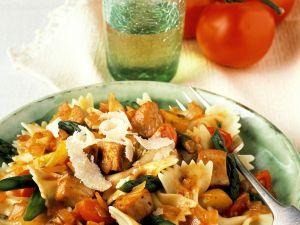 Pasta mit Hähnchen und Gemüse Rezept