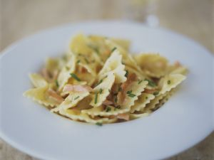 Pasta mit Lachs-Sahne-Soße Rezept
