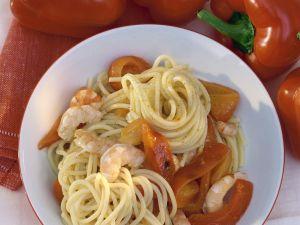 Pasta mit marinierten Garnelen und Paprika Rezept