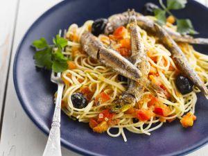 Pasta mit Oliven und Sardellen Rezept
