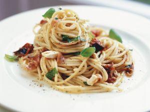 Pasta mit Pancetta und getrockneten Tomaten Rezept