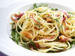 Pasta mit Räucherlachs und Dill Rezept