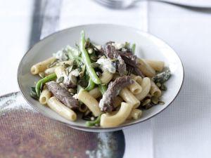 Pasta mit Rindfleisch, grünen Bohnen und Gorgonzola Rezept