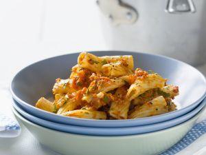 Pasta mit rotem Pesto Rezept