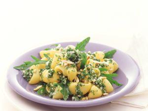 Pasta mit Rucola-Pesto Rezept