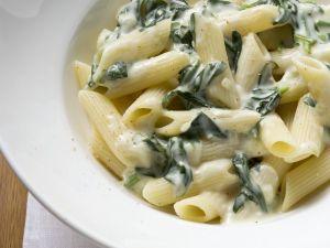 Pasta mit sahniger Spinatsoße Rezept