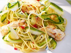 Pasta mit Tintenfisch, Zucchini und Peperoni Rezept