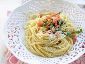 Pasta mit Tomaten und Parmesan Rezept